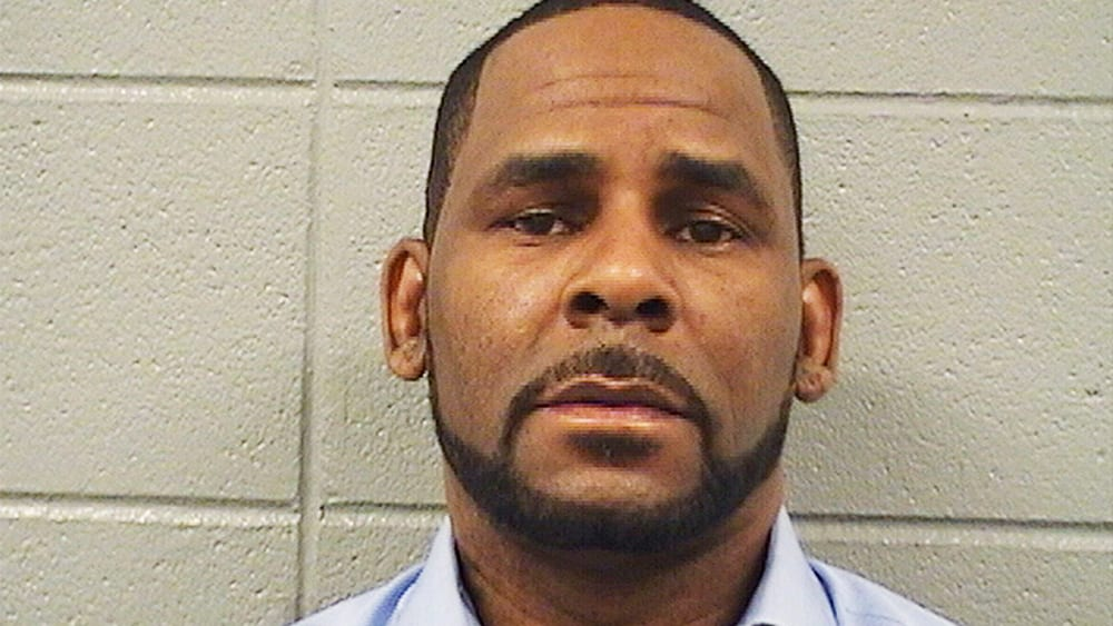 FEDS FIND $1.2 MIL IN HIDDEN BANK ACCOUNT CONTROLLED BY R. KELLY