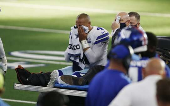 Dak Prescott carted off the field after gruesome leg injury in Cowboys, Giants game