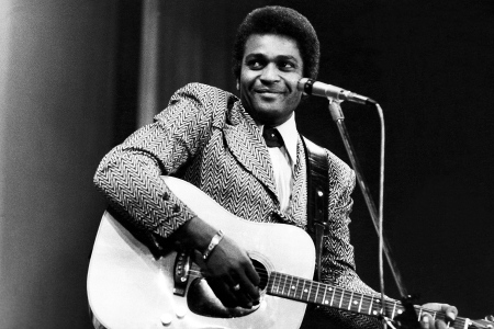 Charley Pride, Pioneering Black Country Singer, Dead at 86